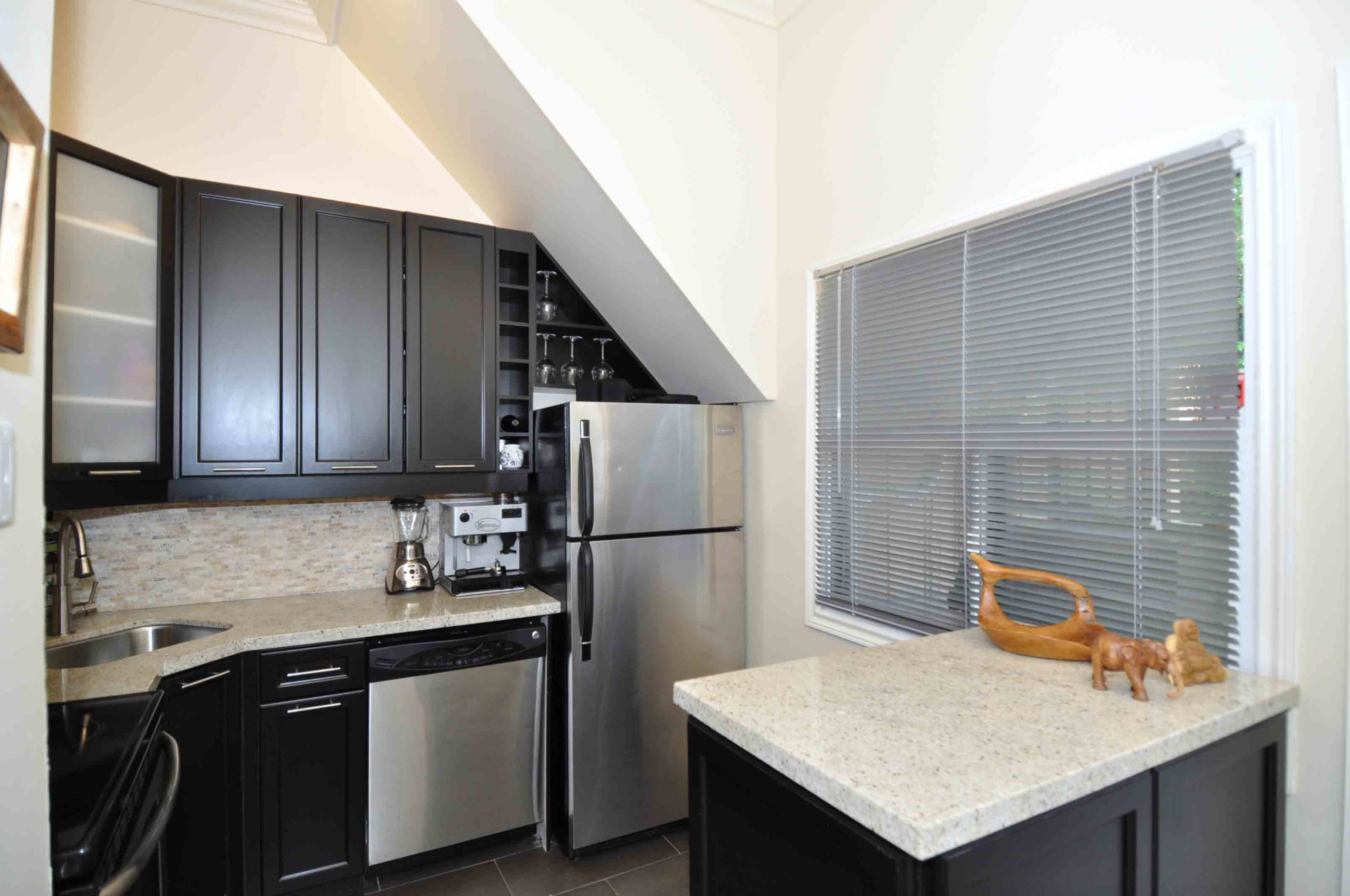 06 360_dundas_street_east_MLS_HID808873_ROOMkitchen