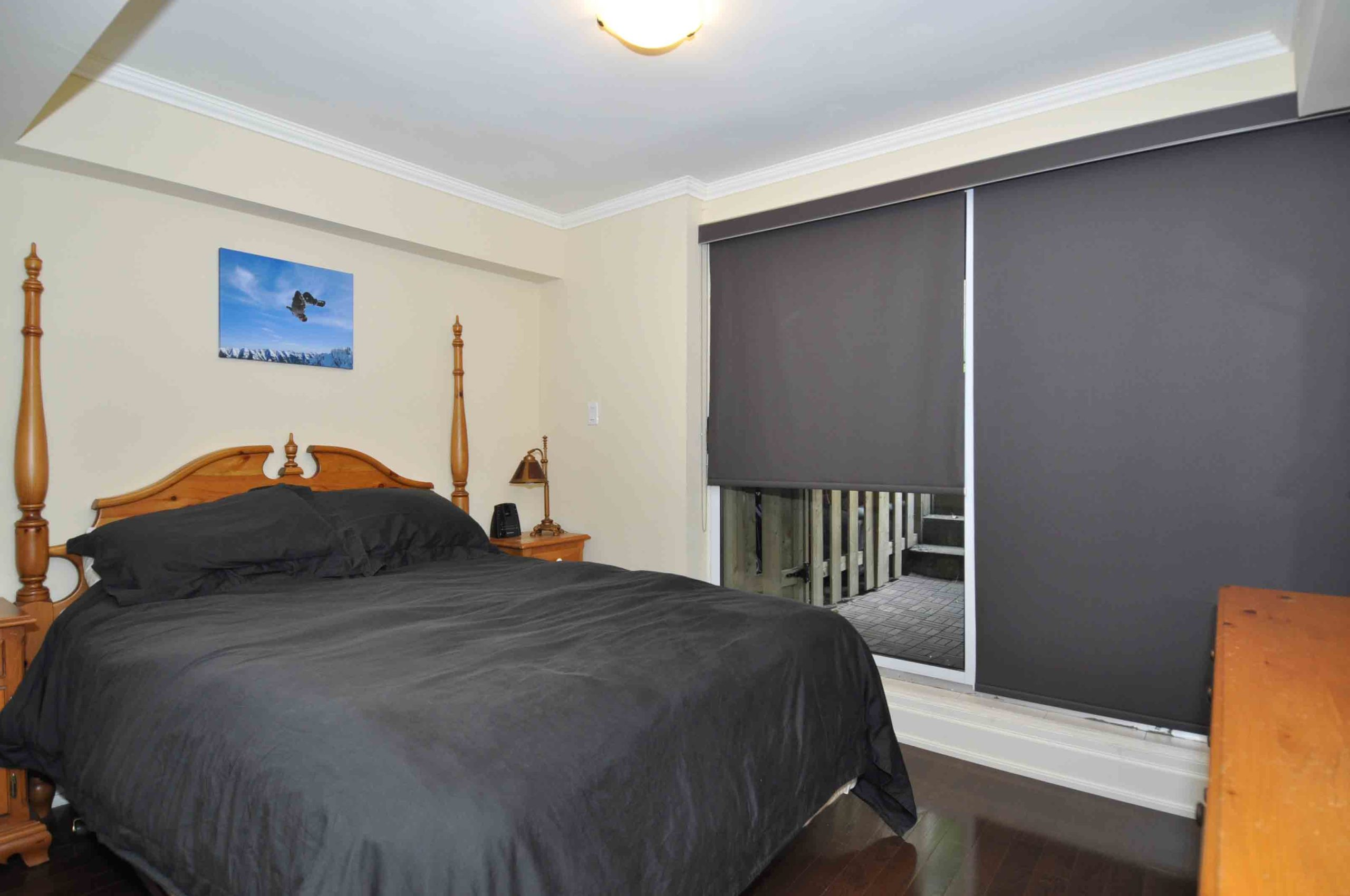 08a 360_dundas_street_east_MLS_HID808873_ROOMmasterbedroom209