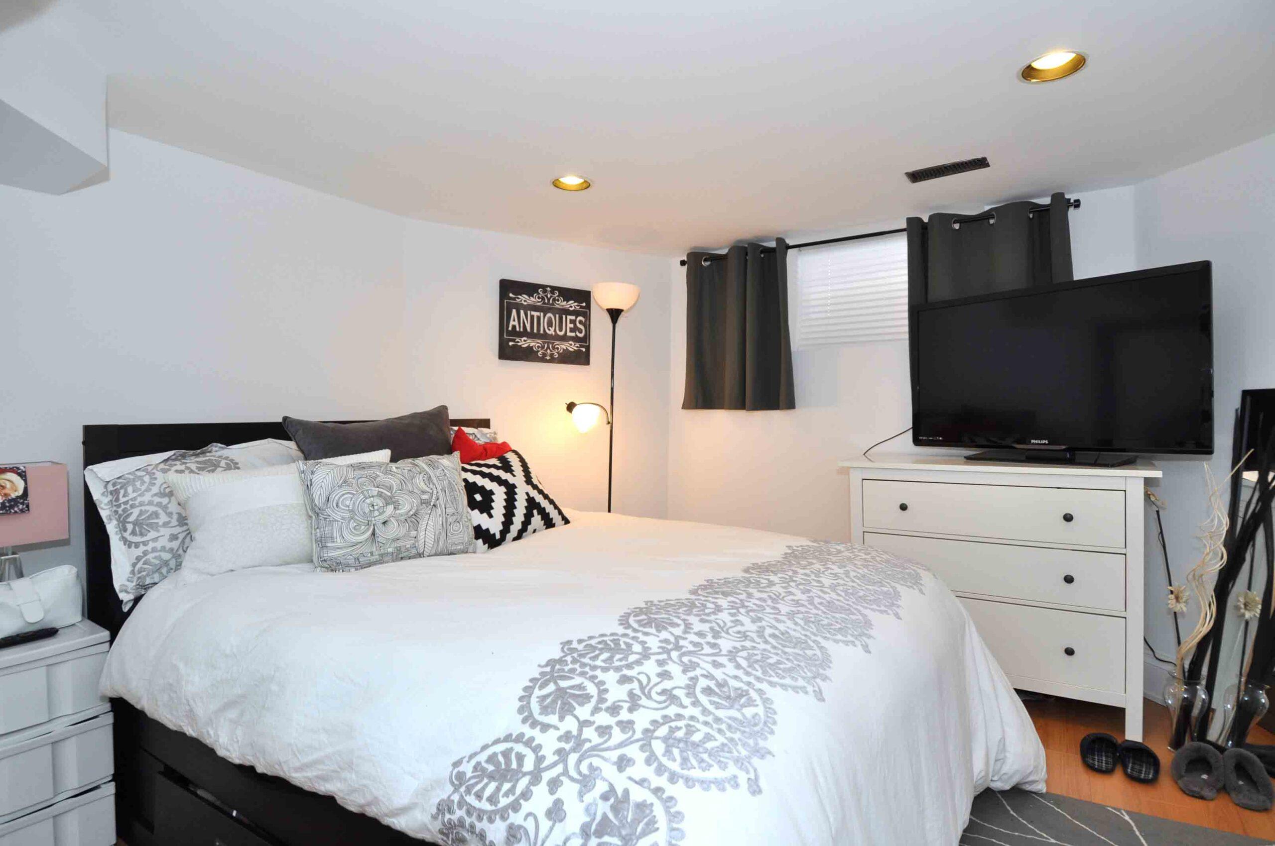 42_amelia_street_MLS_HID962506_ROOMlowerlevelbedroom