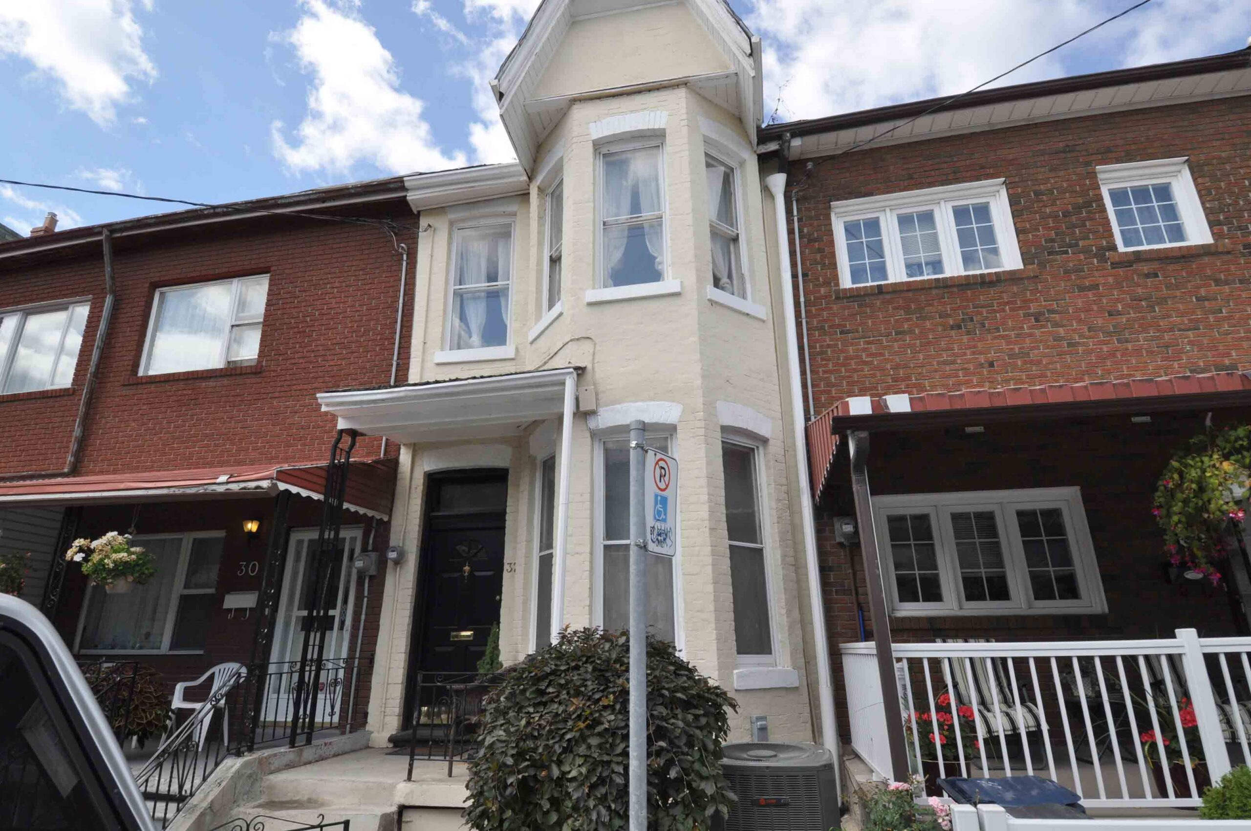 32_manning_avenue_MLS_HID924146_ROOMMainExterior