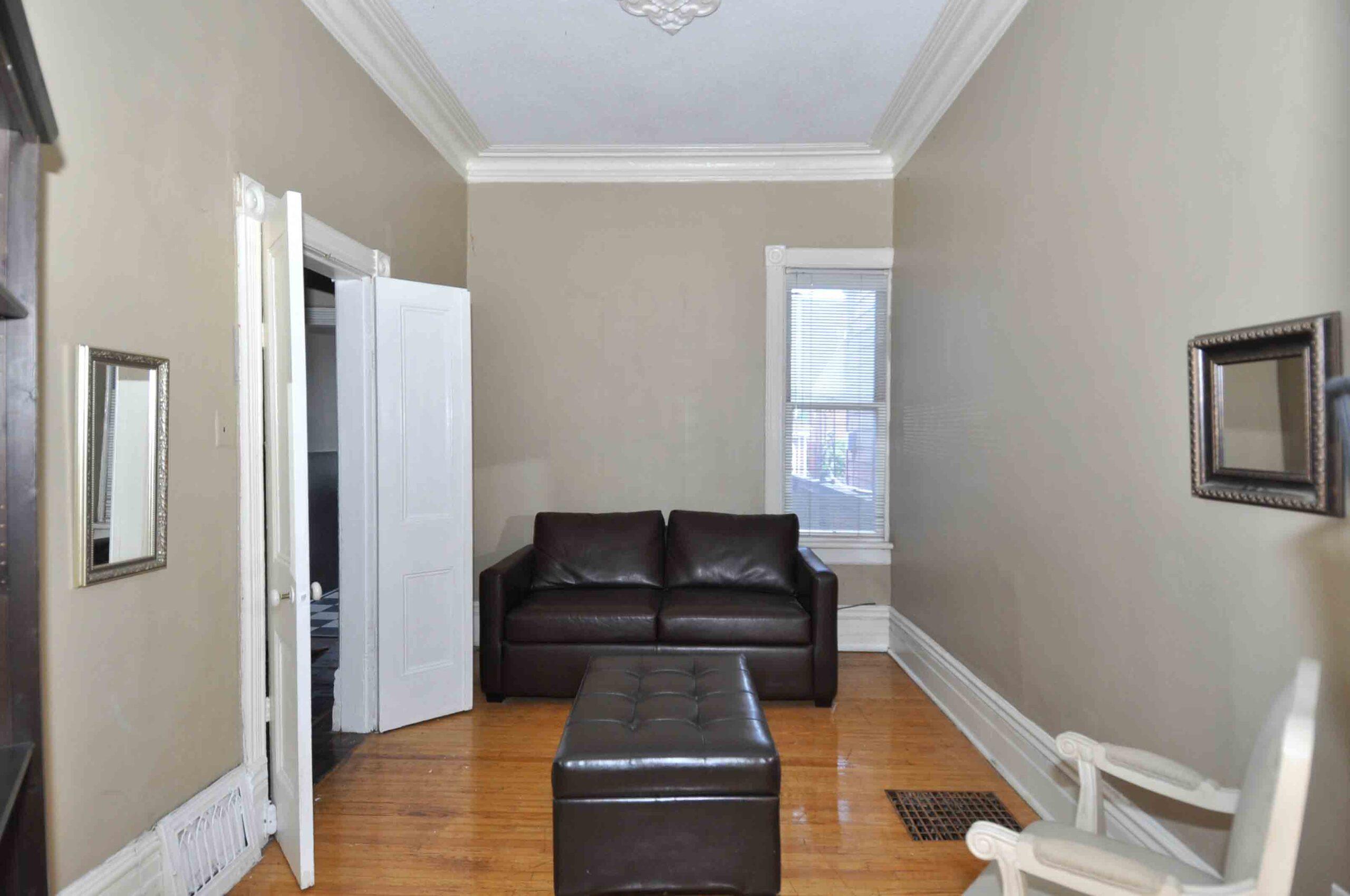 32_manning_avenue_MLS_HID924146_ROOMfamilyroom