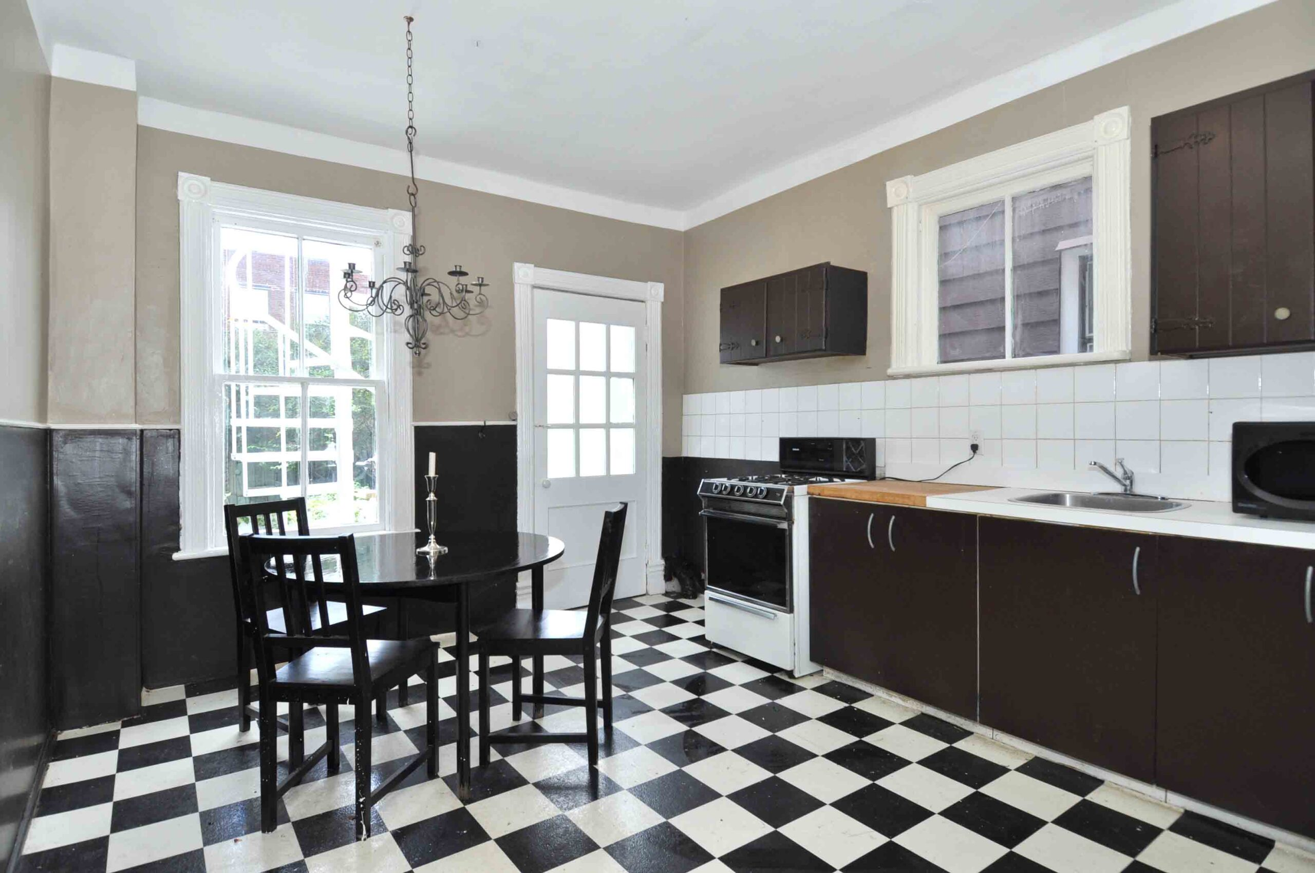 32_manning_avenue_MLS_HID924146_ROOMkitchen