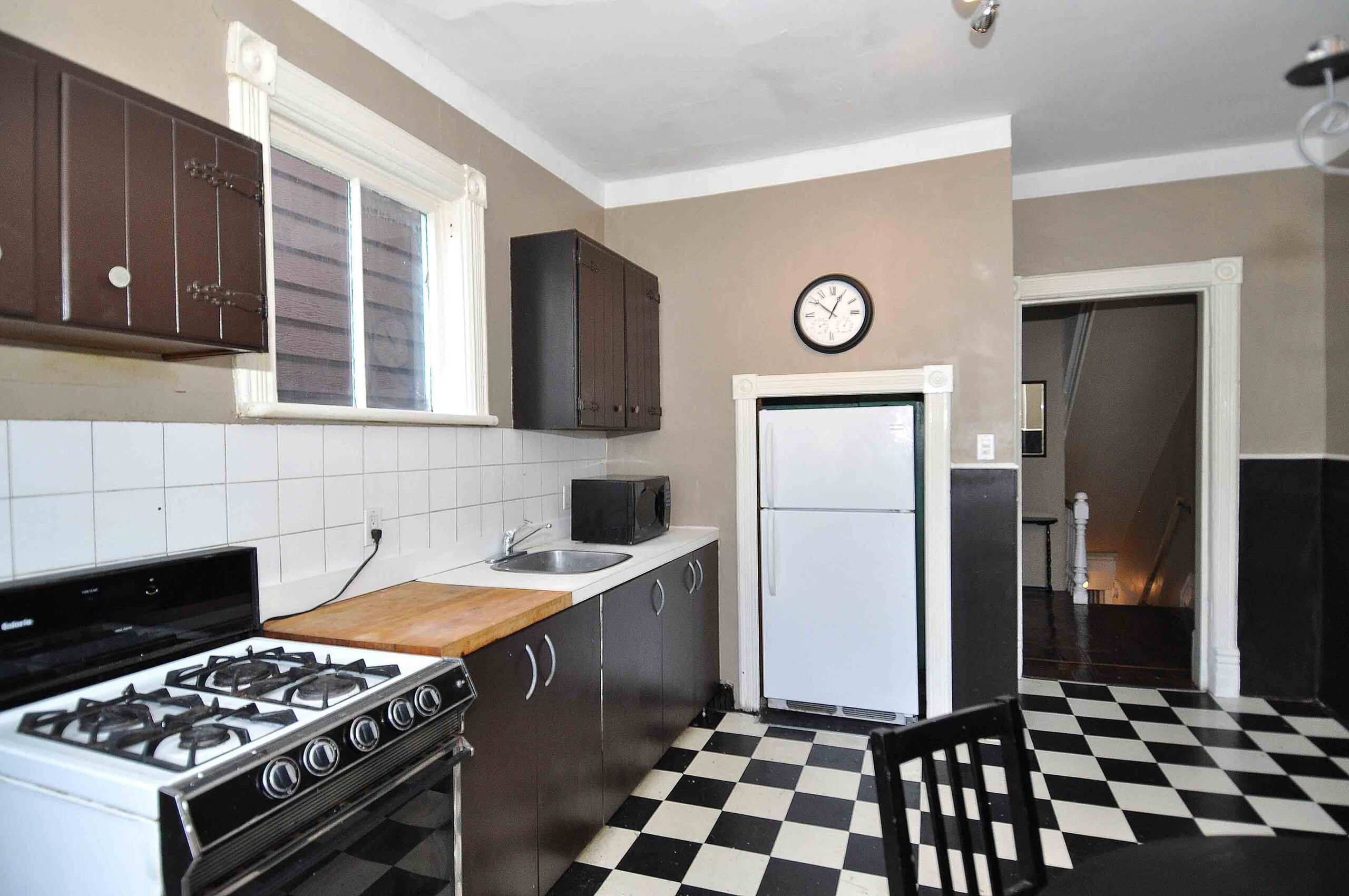 32_manning_avenue_MLS_HID924146_ROOMkitchen1