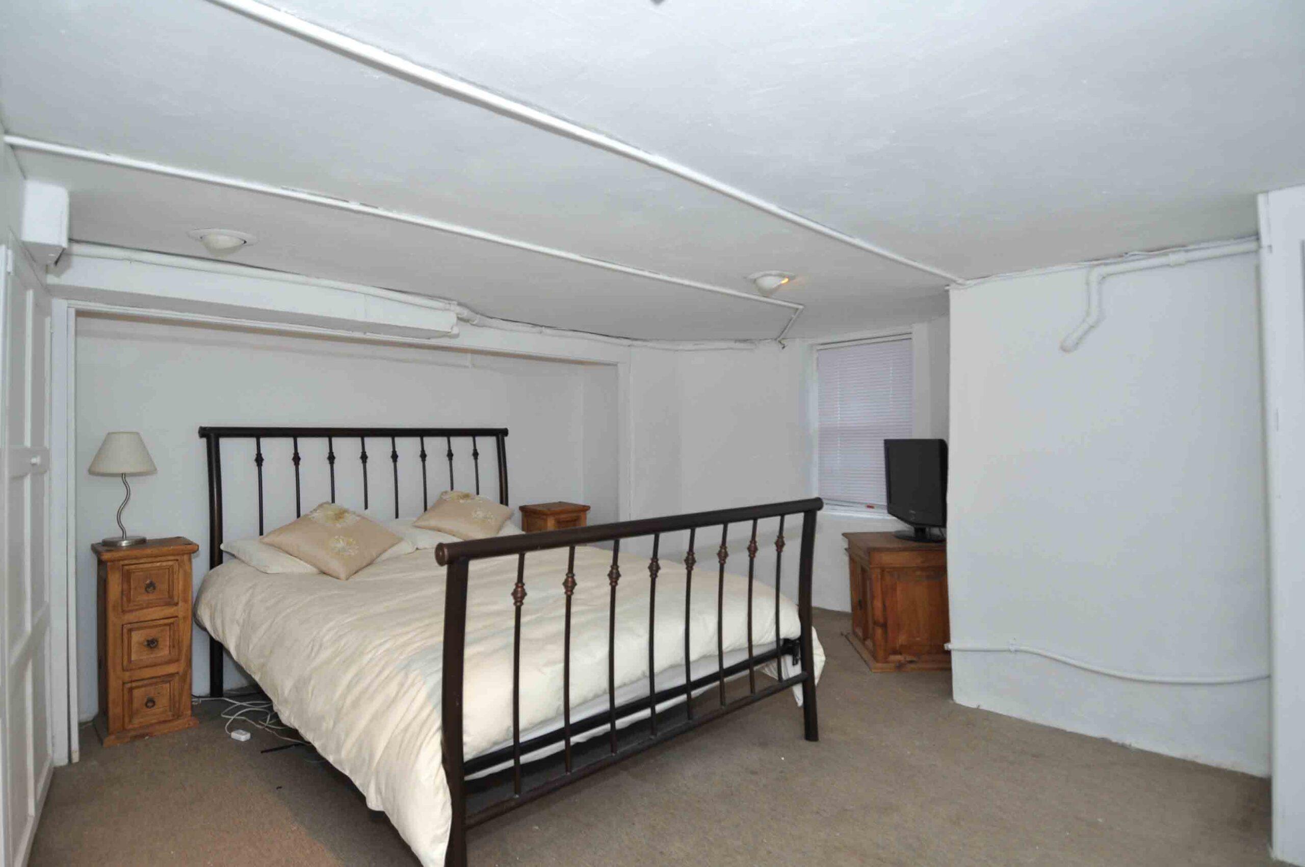 32_manning_avenue_MLS_HID924146_ROOMlowerlevelbedroom