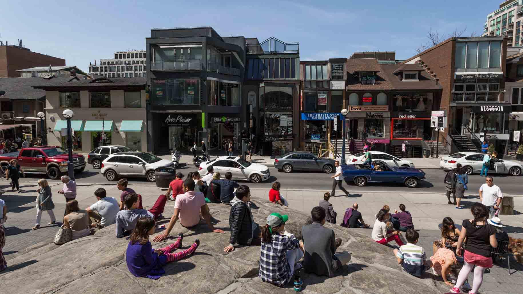 Duncan-Rawlinson-Photo-91760-Shopping-Yorkville-Toronto-Ontario-Canada-20140511-IMG_0986-The-Rock-At-Yorkville-Park
