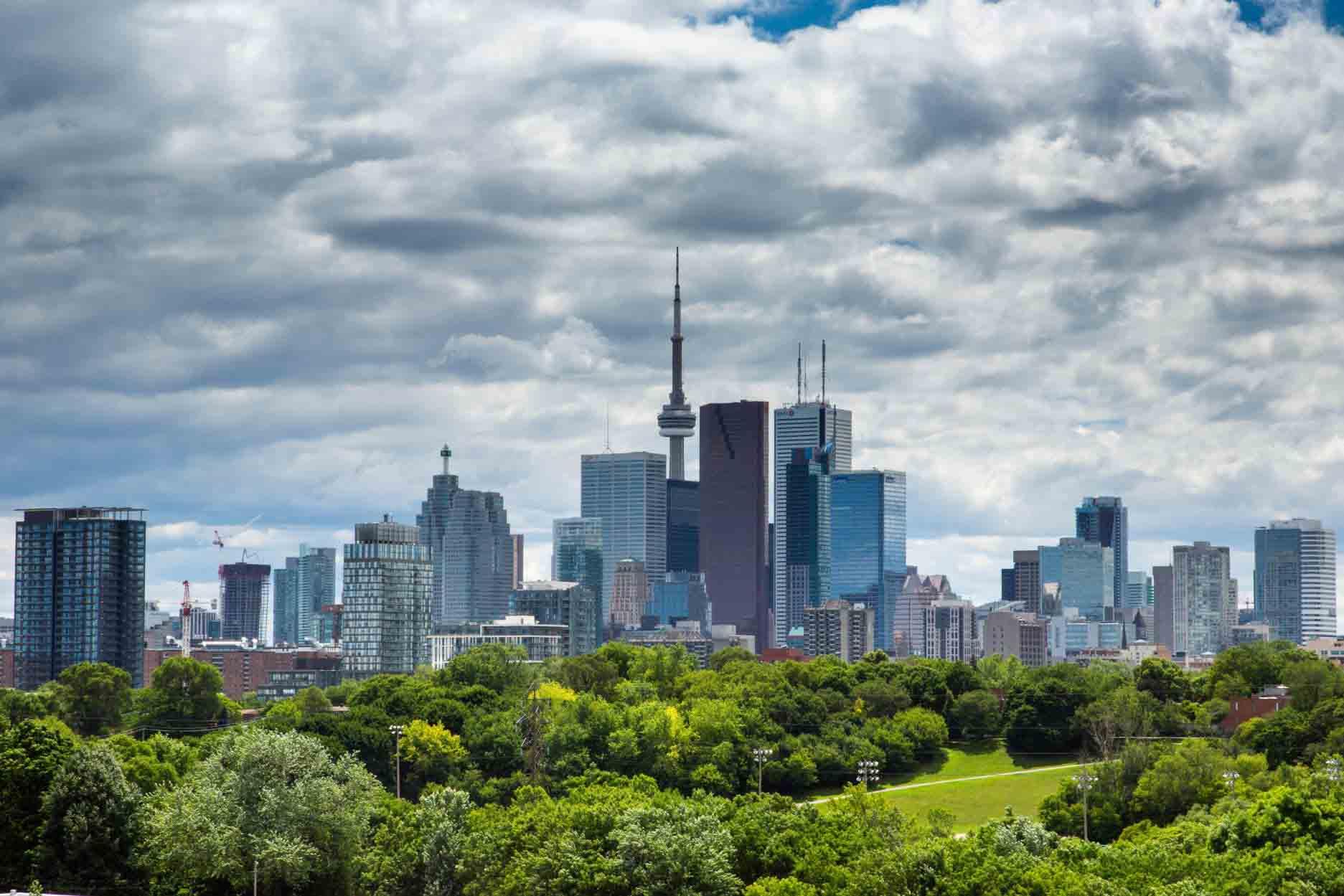 Toronto_skyline_from_Riverdale_Park_June_25_2012