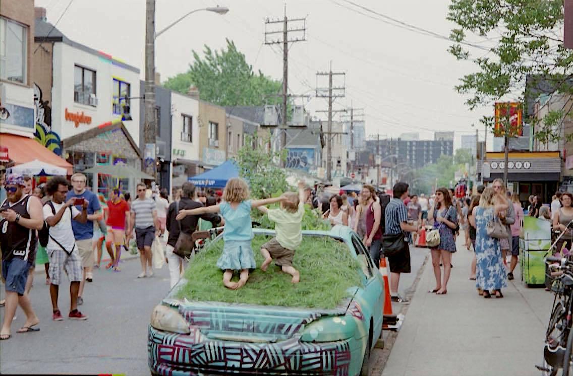 kensington-market-garden-car