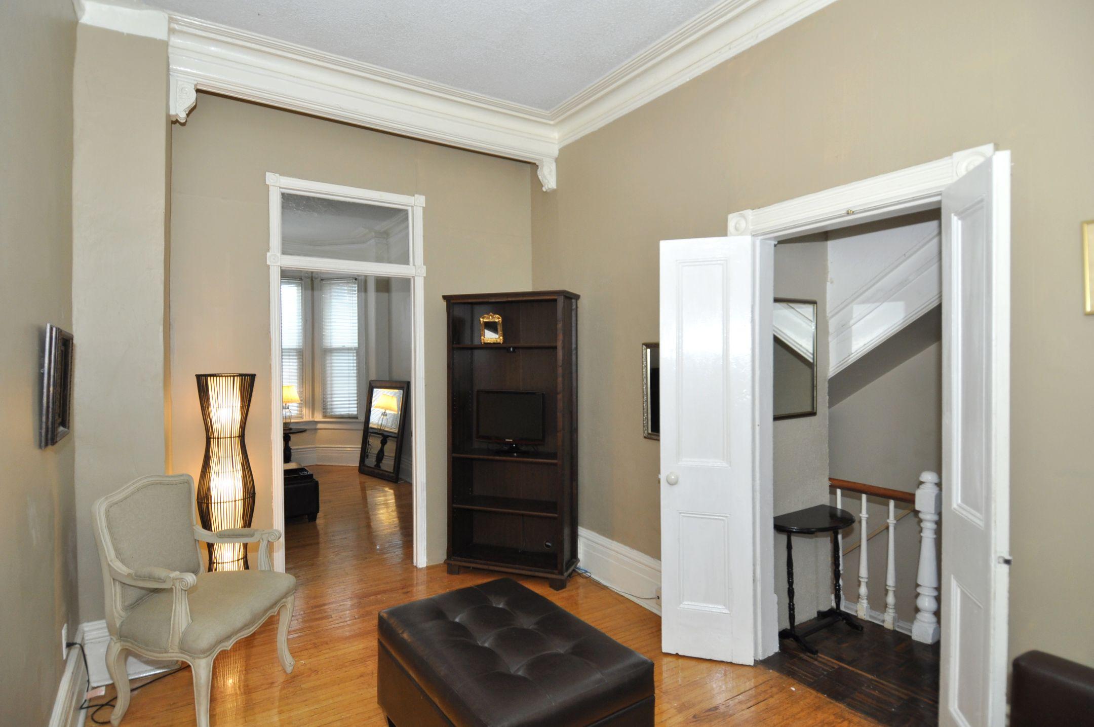 32_manning_avenue_MLS_HID924146_ROOMfamilyroom1