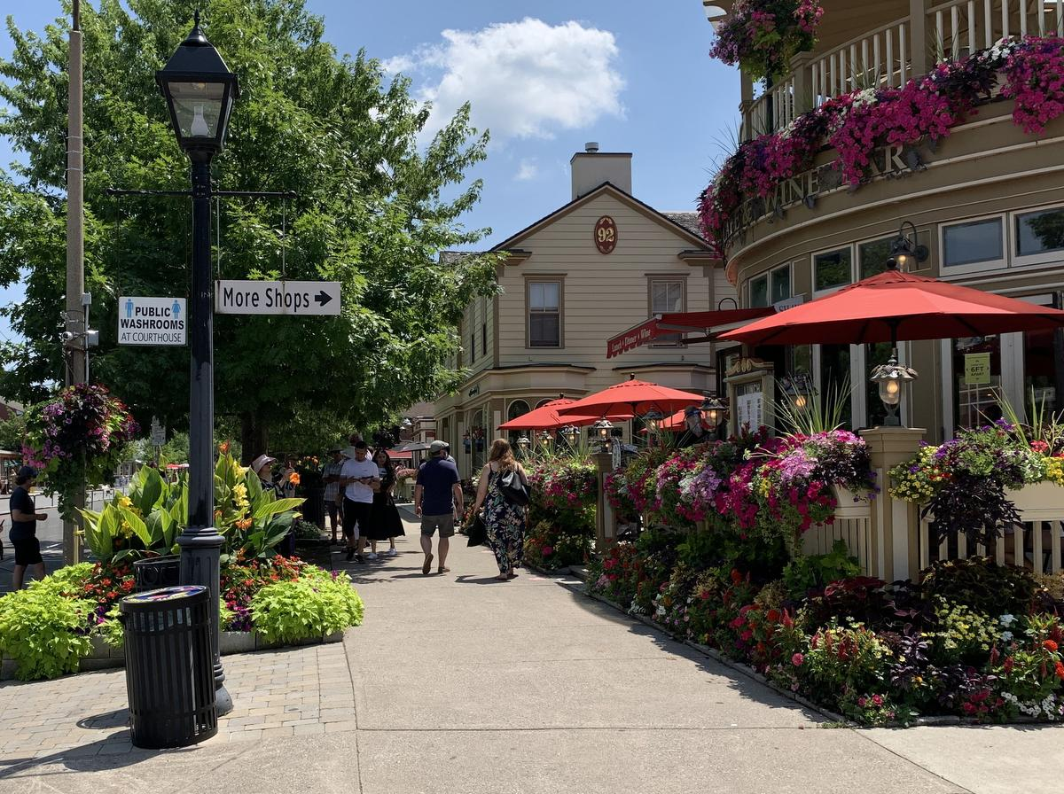 Niagara-on-the-Lake town council passed a bylaw to try to ensure restaurants are complying with provincial physical distancing orders.